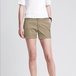 Banana Republic City Chino Roll Up Shorts
